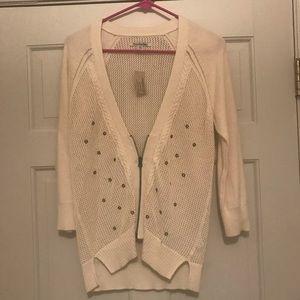 Cream American eagle sweater size medium